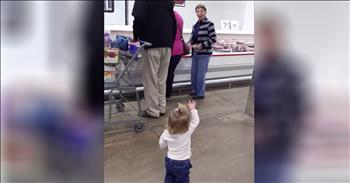 Little Girl Spreads Love At The Grocery Store