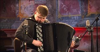 Talented Accordion Player Performs Vivaldi's 'Summer'