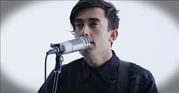 'Children of God' - Beautiful Acoustic Performance From Phil Wickham