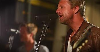 'Live It Well' - Powerful Worship From Switchfoot