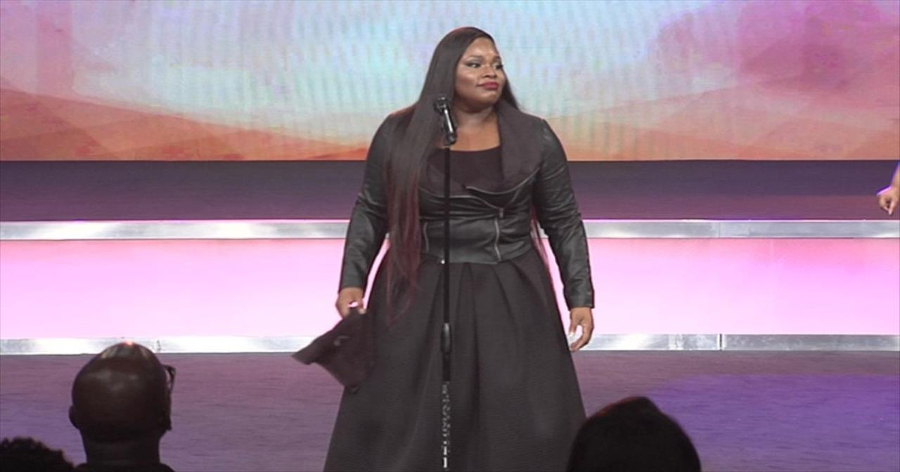 'You Still Love Me' - Beautiful Performance by Tasha Cobbs - Christian  Music Videos