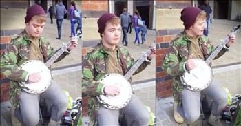 Man On The Street Plays Both Parts Of 'Dueling Banjos'