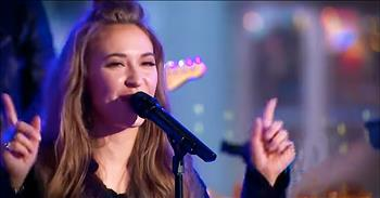 Lauren Daigle Performs 'Trust In You' Live On National TV