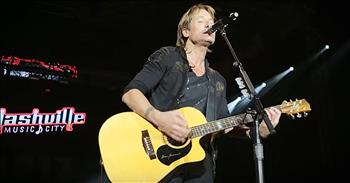 Keith Urban Sings Medley For Musicians Lost In 2016