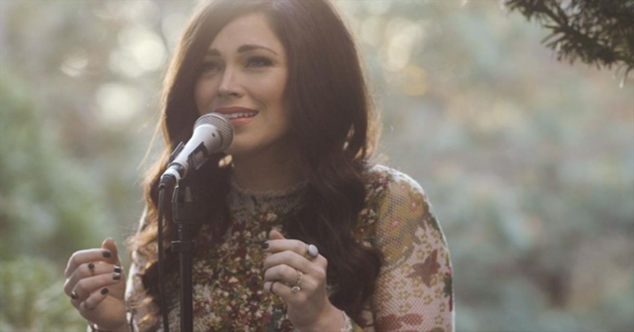 Pray With Kari Jobe As She Sings \'The Garden\' - Christian Music Videos
