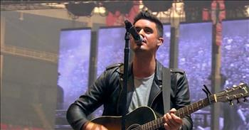 'Glorious Day' - Powerful Live Performance by Kristian Stanfill and the Passion Band