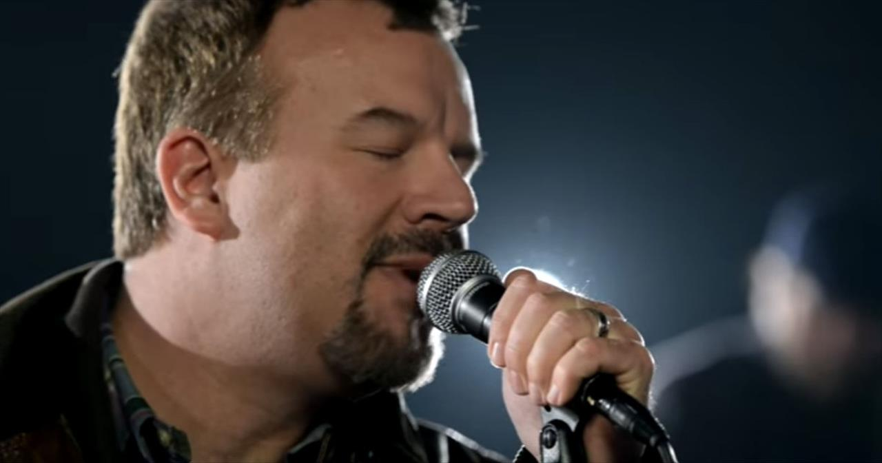 Casting Crowns Reminds Us To Remain Faithful In 'Praise You in this Storm'