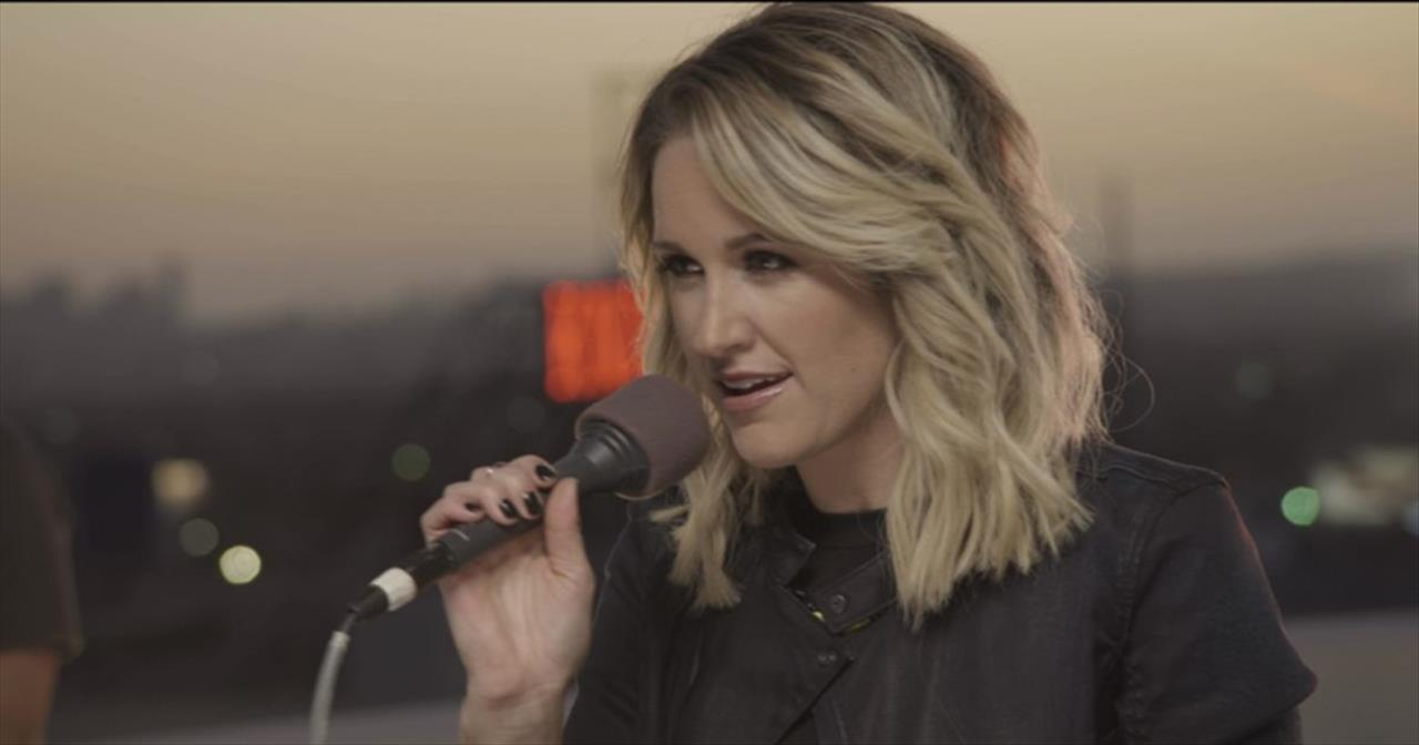 Musical Motivation In Britt Nicole's Live Performance Of 'Be the Change'