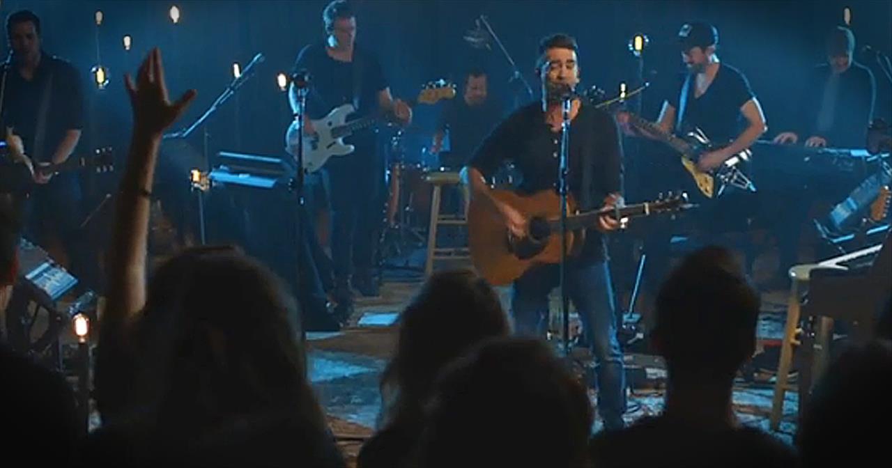 Aaron Shust Performs 'God Of Brilliant Lights'