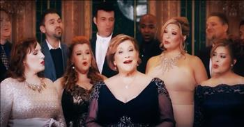 Sandi Patti And A Cappella Choir Perform 'Beauty and the Beast'
