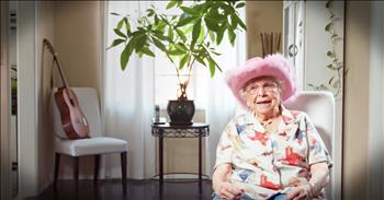 95-Year-Old Yodeling Granny Impresses On Stage