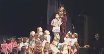11-Year-Old Sings 'Let It Go' With Superstar