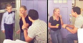 7-Year-Old Neighbor Helps Man Propose