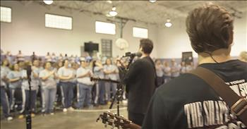Hillsong UNITED Leads Worship In Women's Prison