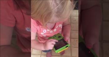 Toddler Can't Figure Out Old Gameboy
