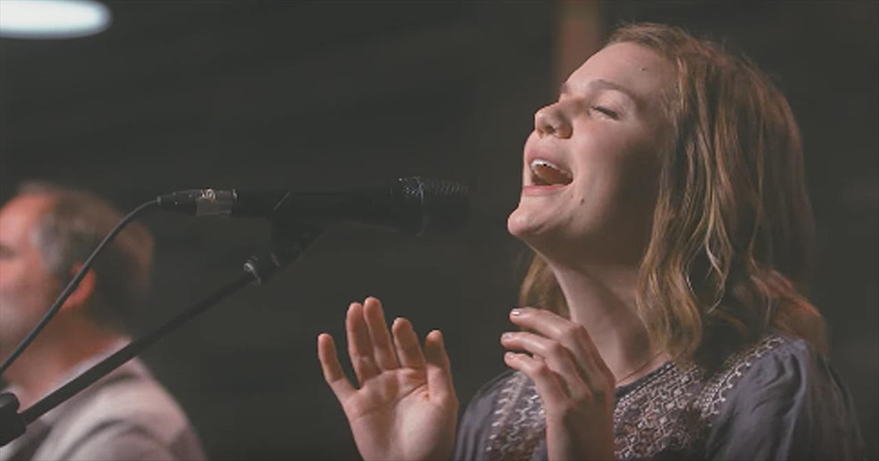 'So Will I (100 Billion X)' - Live Worship From Upper Room