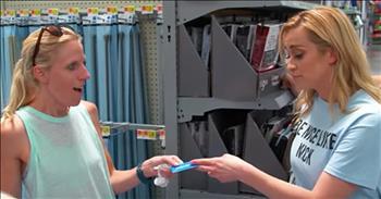 Kellie Pickler Surprises Walmart Shoppers With Kindness