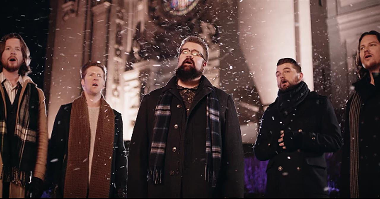 5 Men Sing 'Silent Night' A Cappella