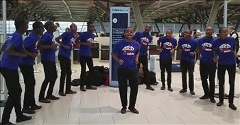 Boys Choir Surprises Travelers At The Airport
