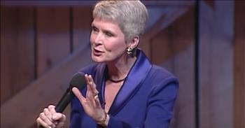 Jeanne Robertson Pulls Christmas Prank On Left Brain