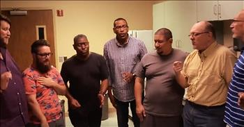 A Cappella Voices Sing 'Amazing Grace'