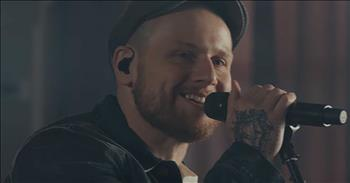 'Rescuer '(Good News)' - Rend Collective Acoustic Performance