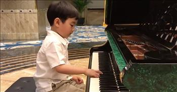 Five-Year-Old Piano Prodigy Plays Chopin