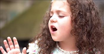 5-Year-Old Sings 'The Way You Look Tonight'