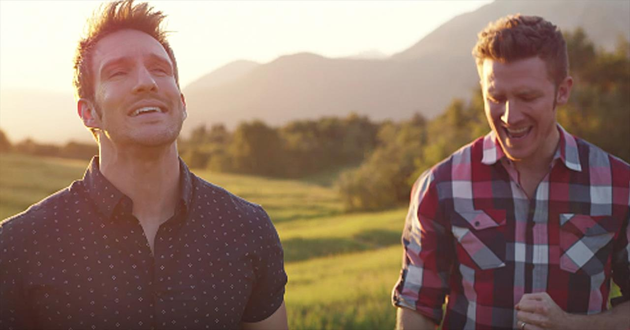 3 Men Sing Modern Rendition Of 'I'll Fly Away' Hymn
