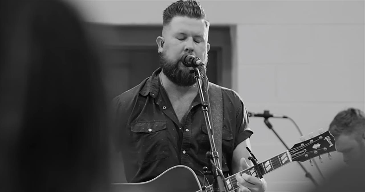 Zach Williams Performs 'Survivor: Live From Harding Prison'