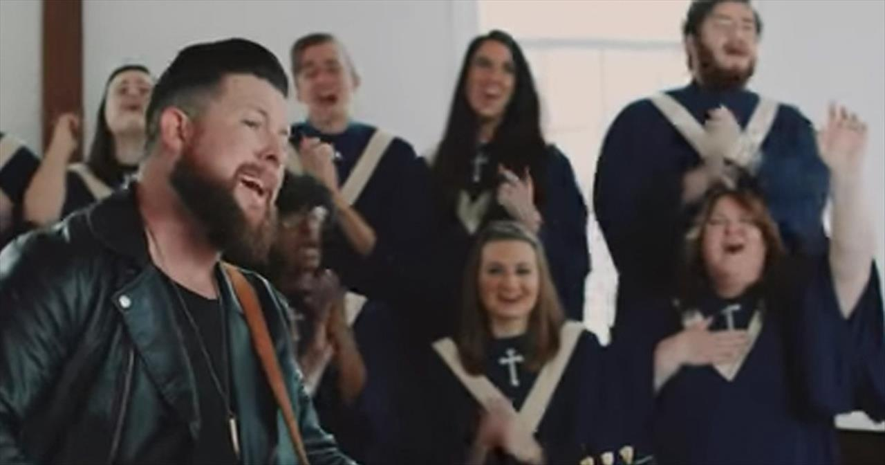 Old Church Choir' - Zach Williams Performs At Harding Prison