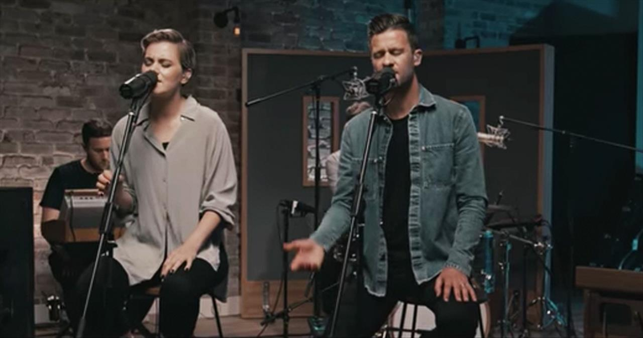 Be Still (Acoustic) - Hillsong Worship - Christian Music Videos