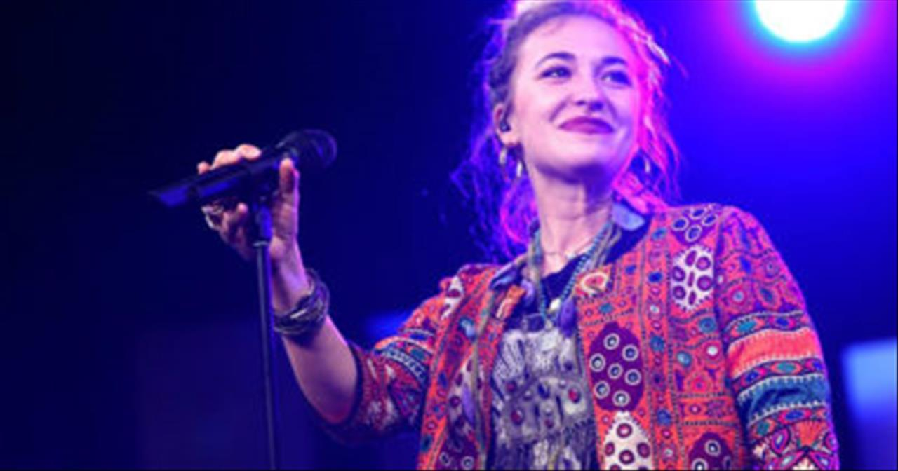 Lauren Daigle Went To A Prison To Worship And Had An Unexpected Experience