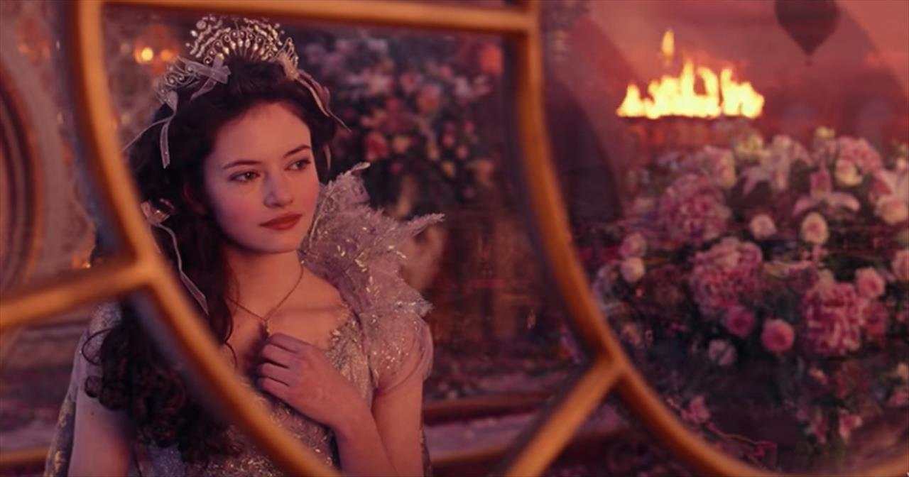 'Fall on Me' Andrea Bocelli and Son 'Nutcracker and the Four Realms'