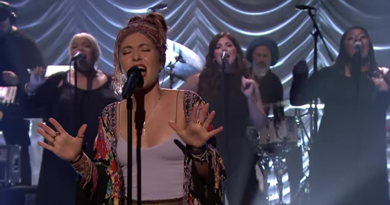 Lauren Daigle Makes Late Night Debut Look Up Child
