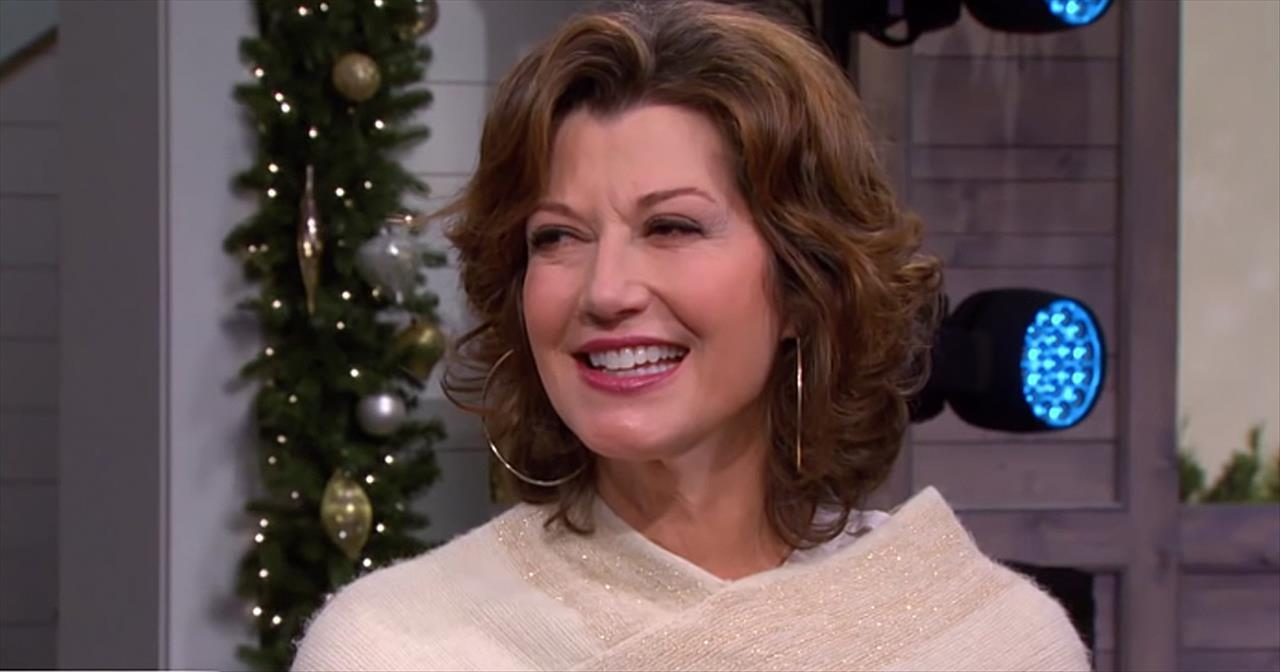 Amy Grant Christmas.Amy Grant Shares Her Christmas Traditions Inspirational Videos