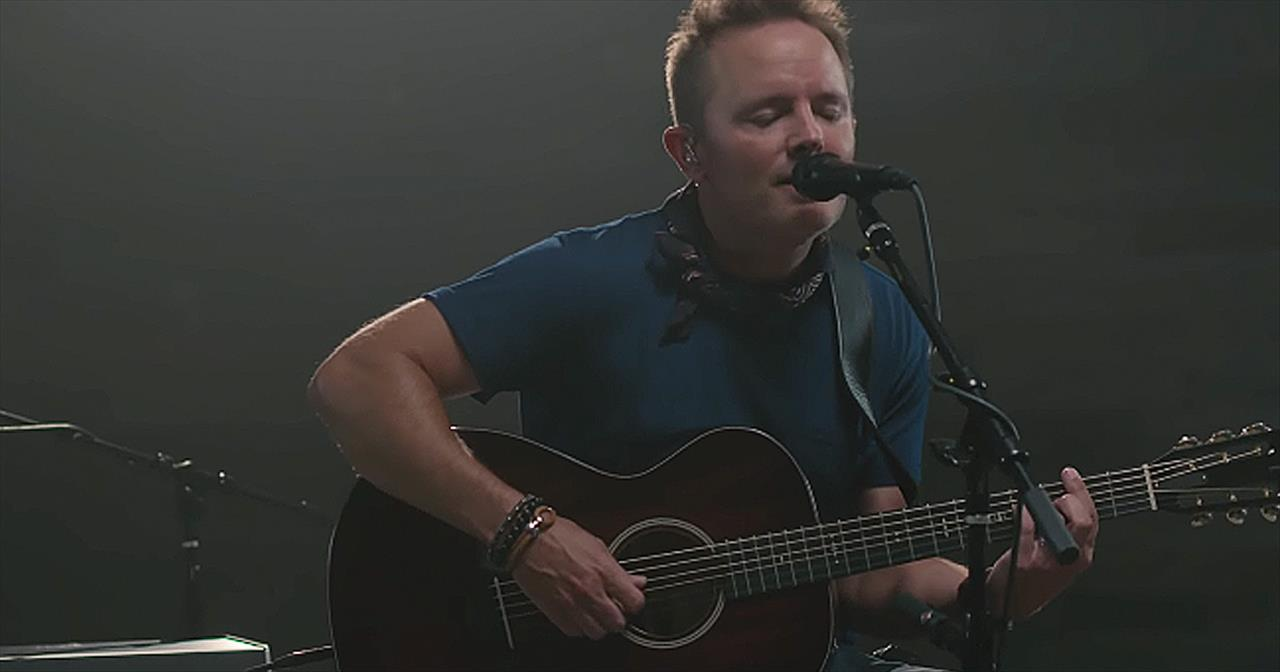 'Is He Worthy?' - Chris Tomlin Featuring Andrew Peterson