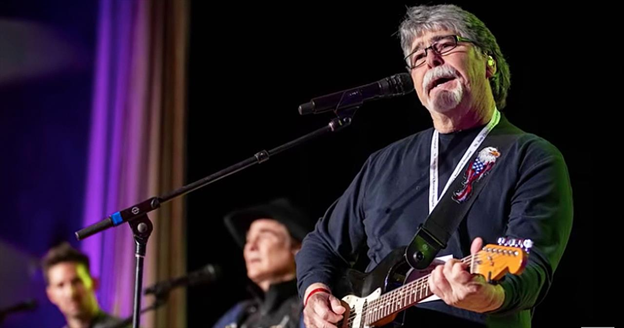 Alabama Tribute Leaves Lead Singer Randy Owen In Tears