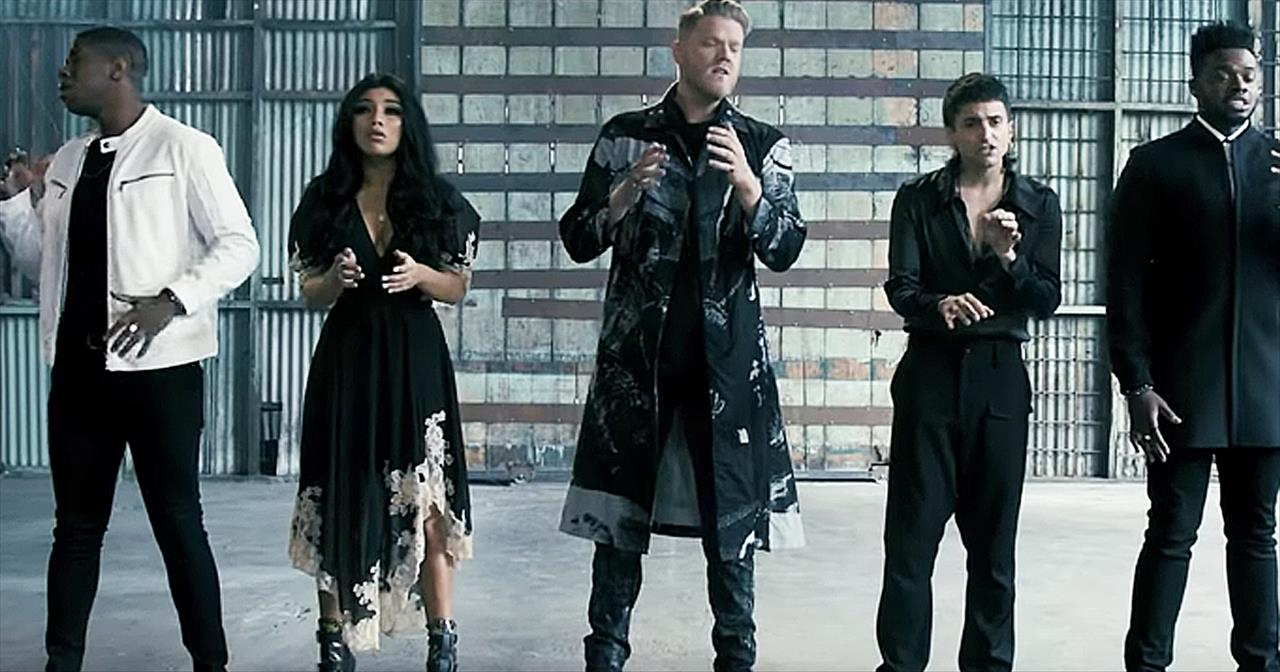 A Cappella Group Pentatonix Performs 'The Sound Of Silence' - Staff Picks