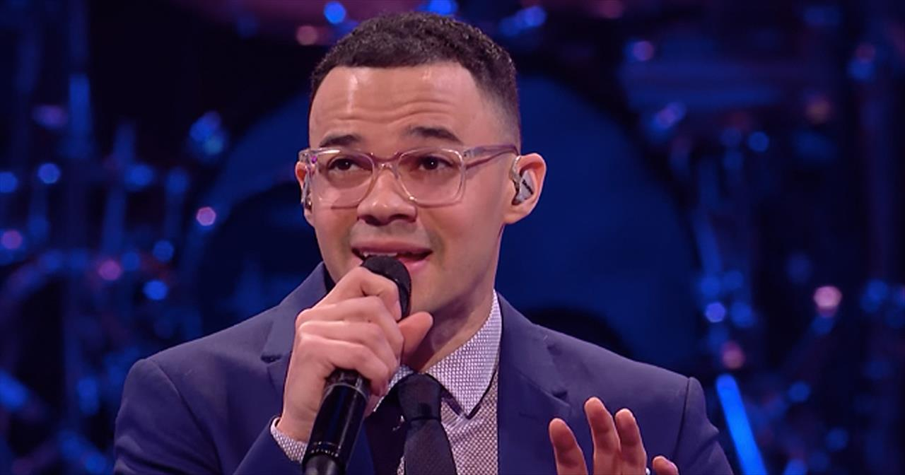 'Here Again' Tauren Wells Live Performance