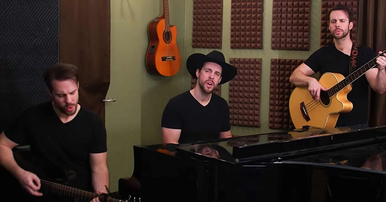 Chris Rupp Performs Willie Nelson's 'Always On My Mind'