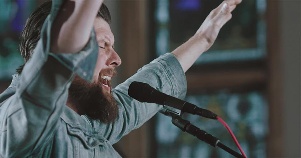 'Chainbreaker' Zach Williams Live Performance