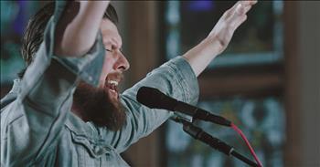 'Chainbreaker' Zach Williams Live Performance