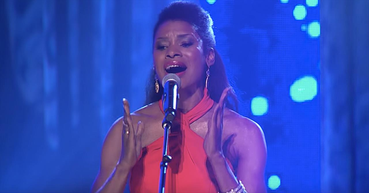 'My Redeemer Lives' Nicole C. Mullen Live Performance