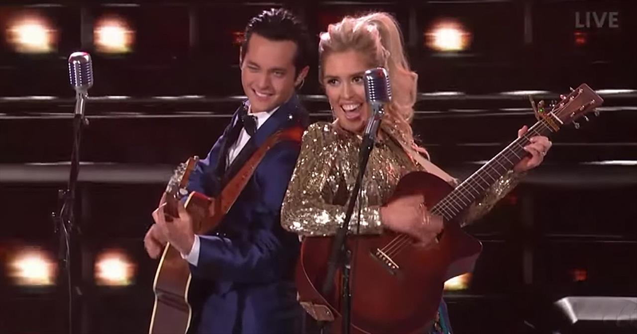 Country Finalists Sing Jackson Duet On American Idol