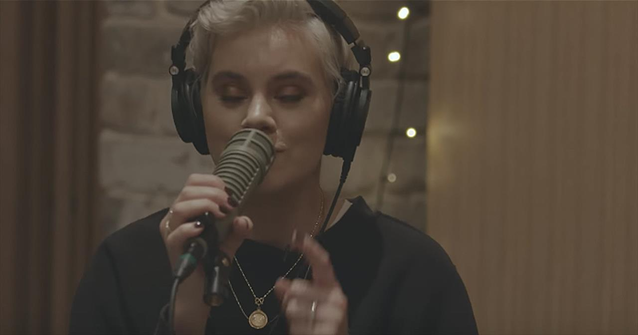 'Highlands (Song Of Ascent)' Hillsong UNITED Acoustic Performance