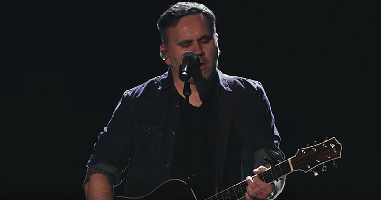 Matt Redman And Phil Wickham Perform '10,000 Reasons'