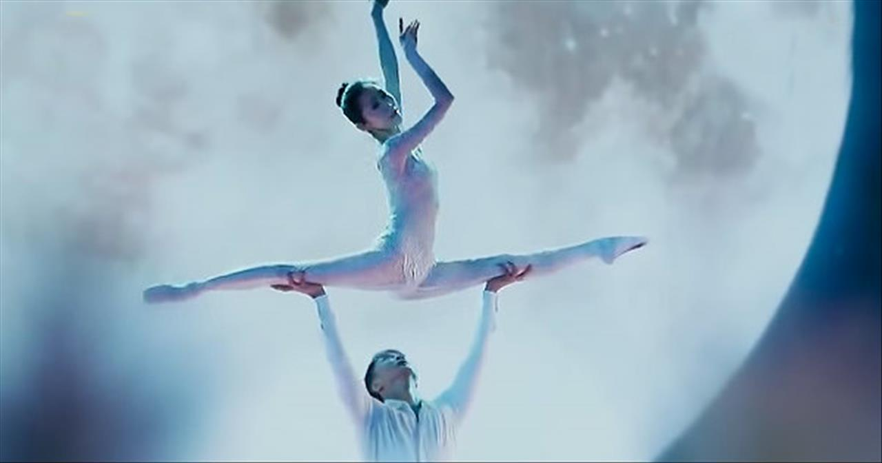 Couple Performs Acrobatic Ballet Routine That Brings Judges To Tears -  Inspirational Videos