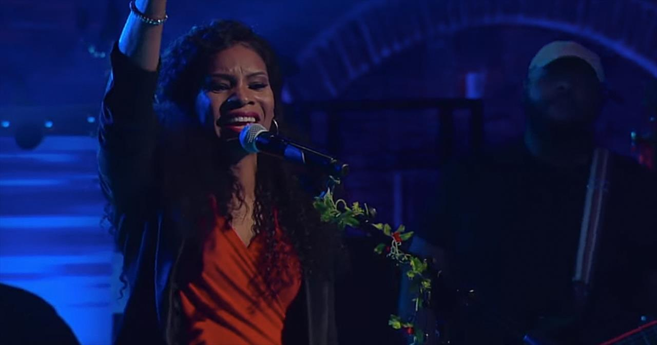 Nicole C  Mullen Performs 'My Redeemer Lives' - Christian Music Videos