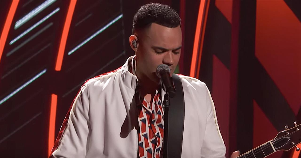 Tauren Wells Performs 'Known And Undefeated' Medley At K-Love Fan Awards